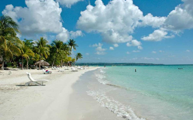 Plaja-7-Mile-Beach