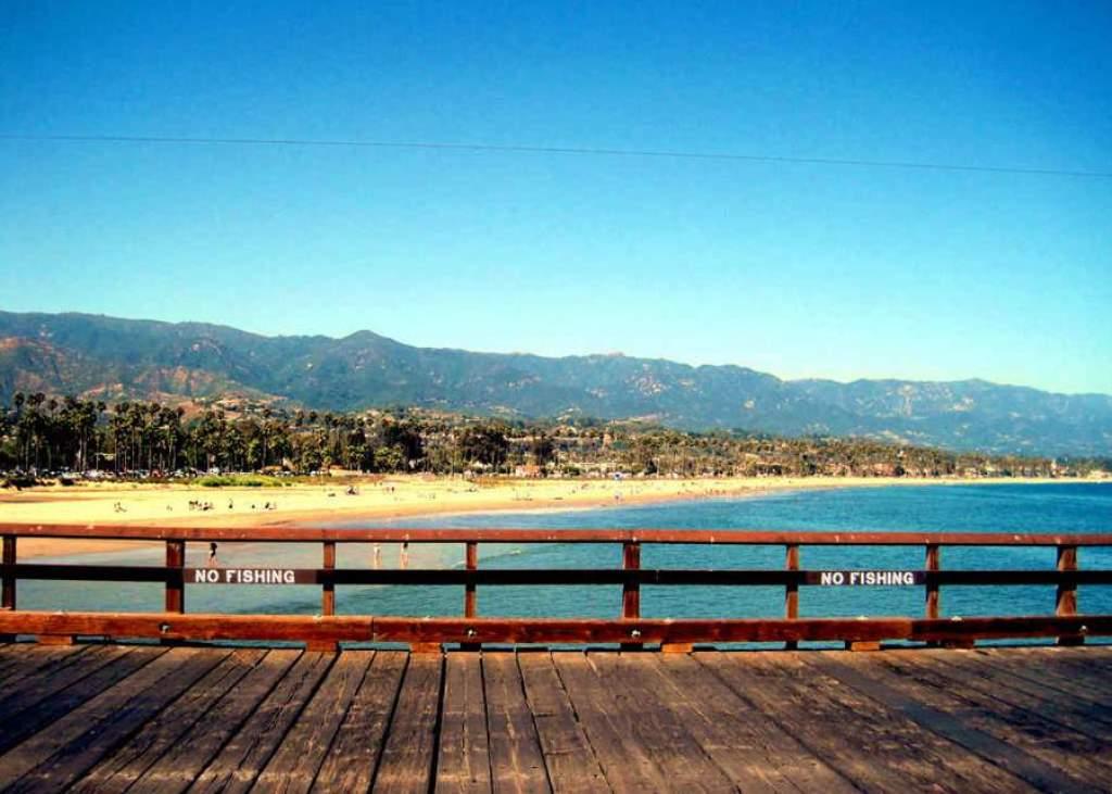 Plaja-East-Beach