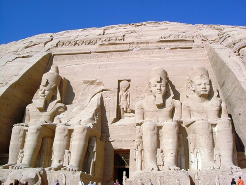 [Egypt]聞名世界的阿布辛貝神殿(Temple of Ramesses II。Abu Simbel)