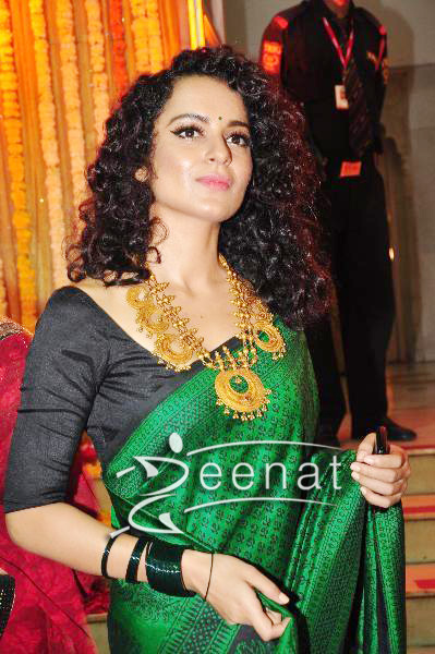 Kangana Ranaut In Traditional Saree Zeenat Style