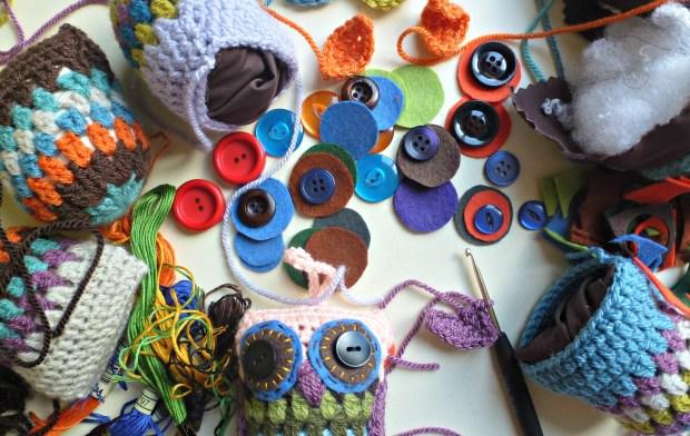 making crochet owls