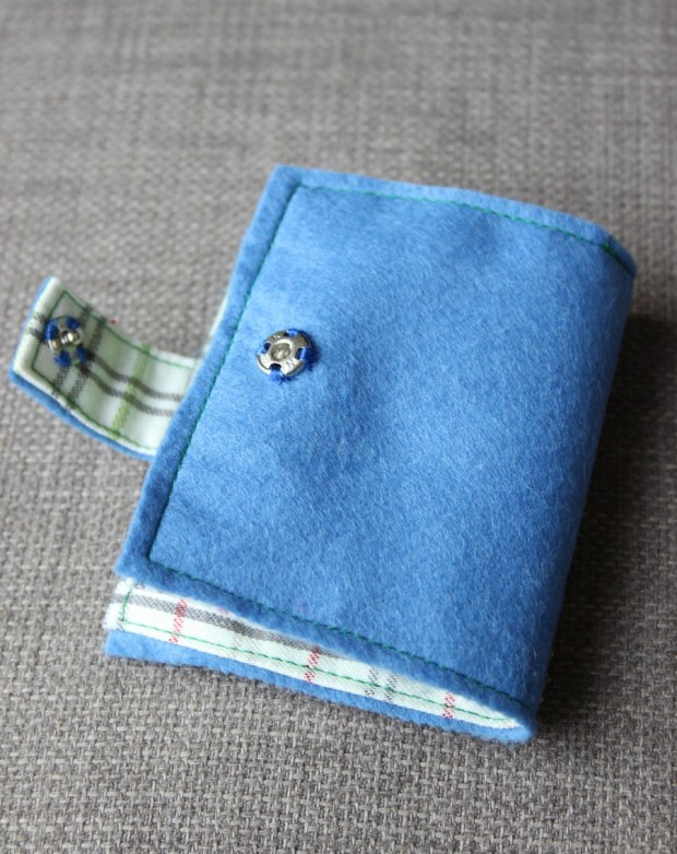 Daffodil needle case back.