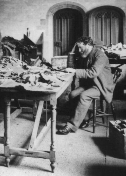 שלמה זלמן שכטר בודק את קטעי הגניזה באוכספורד