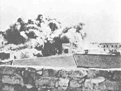 הבריטים מפוצצים את הקסבה של יפו 1936