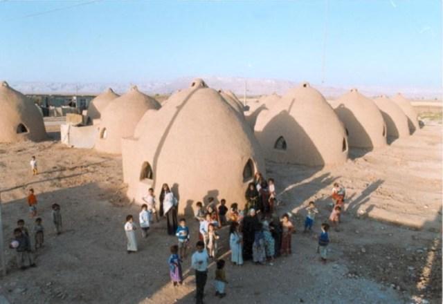 בתי פליטים בחוזיסטאן נבנו בעזרת אום