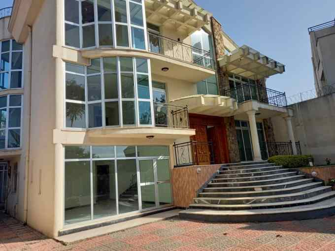 5 Bedroom House For Rent in Addis Ababa, Old Airport