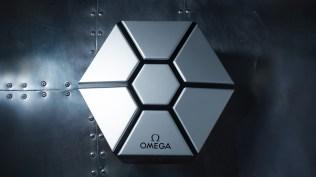 Omega Speedmaster Speedy Tuesday 2 Ultraman Box