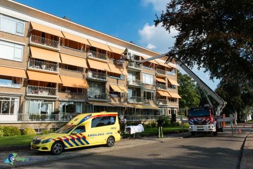 Brandweer helpt bij ophalen bewoner