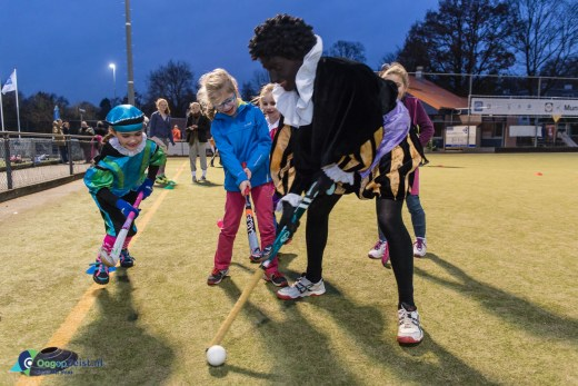 Pieten Hockey training bij Hockeyclub Phoenix Zeist