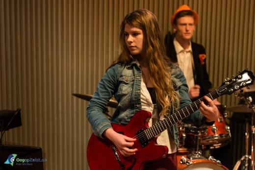 Band night door muziekanten van de popschool van de Zeister Muziekschool in de grotezaal van de Klinker