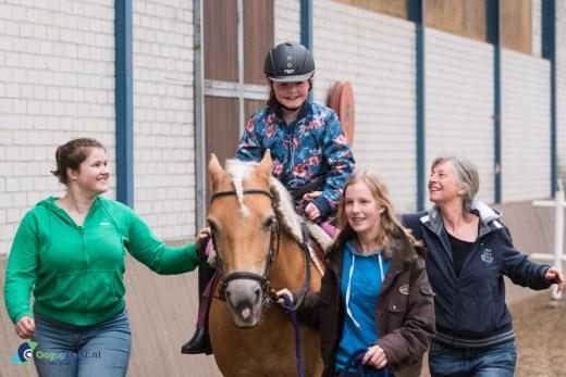 Spelletjesmiddag voor kinderen van de fysiotherapie van Florine Vermaas bij de Prinses Maxima Manege in Den Dolder
