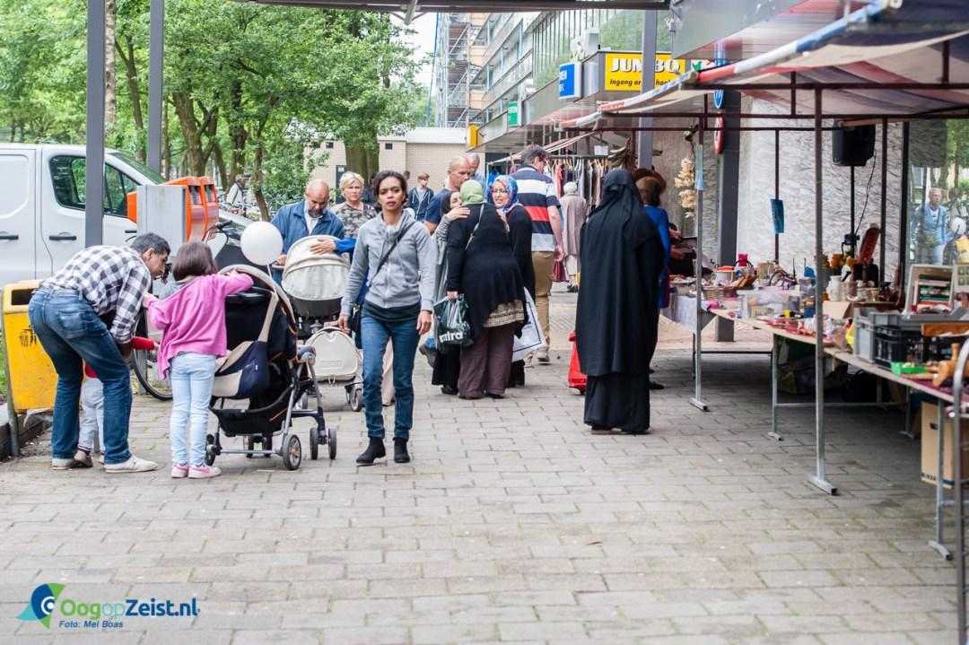 Vrijmarkt in winkelcentrum Vollenhove