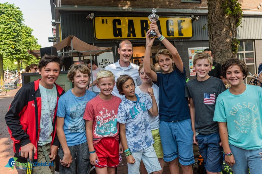 Jongens D1 van Schaerweijde omdat ze 2 keer kampioen waren geworden