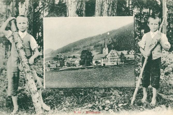 Knaben im Tannenwald