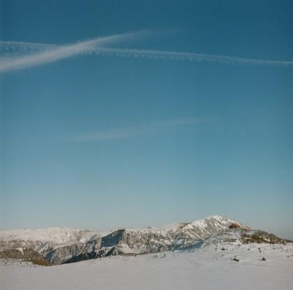 Das Schneealpenhaus dahinter die Rax