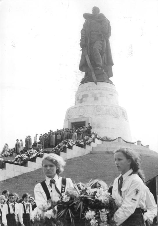 Internationale Würdigung des 75. Jahrestages der Befreiung