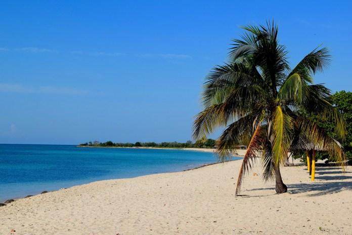 Corona-Infektion im Urlaub: Jobverlust droht