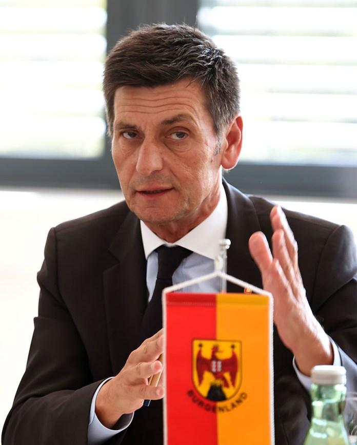 Burgenland: Landesrat tritt zurück und gibt Anlass zu Spekulationen