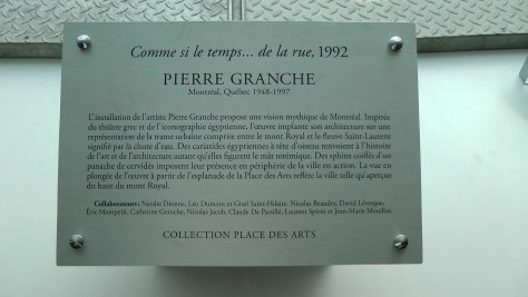 The plaque for Comme si le temps... de la rue by Pierre Granche