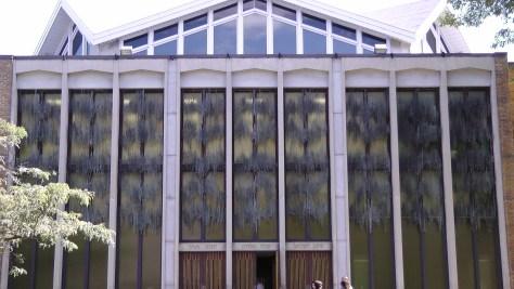 The facade of Temple Emanu-el-Beth Sholom