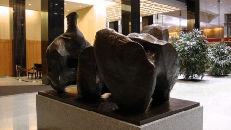 Three Piece Reclining Figure by Henry Moore in the CIBC Building on René-Lévesque.