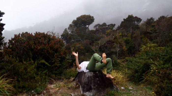 ラバンラタ石の上