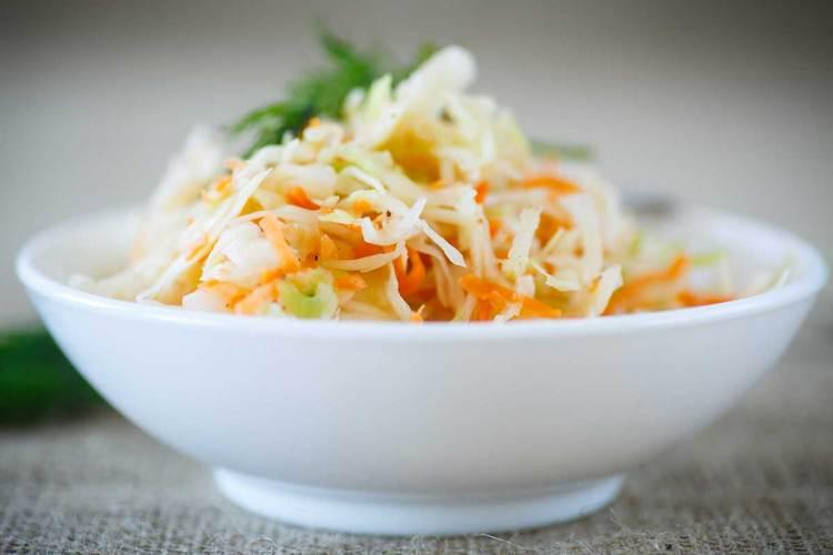 Як квасити капусту - найпростіший рецепт