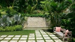 бетонне покриття двору