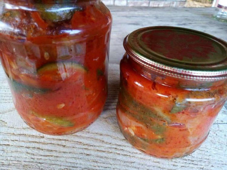 Зберігаємо консервовані кабачки в томатному соусі в прохолодному місці