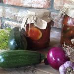 Кабачки в томатному соусі на зиму