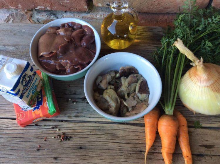 Інгредієнти для печінкового паштету з грибами