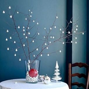 Гілки у новорічному декорі