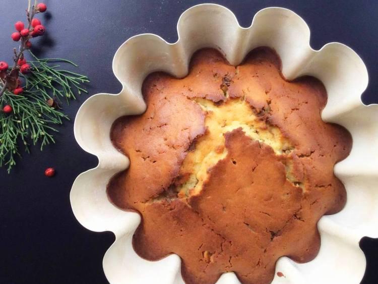 Випікаємо кекс з халвою при температурі 180 °C