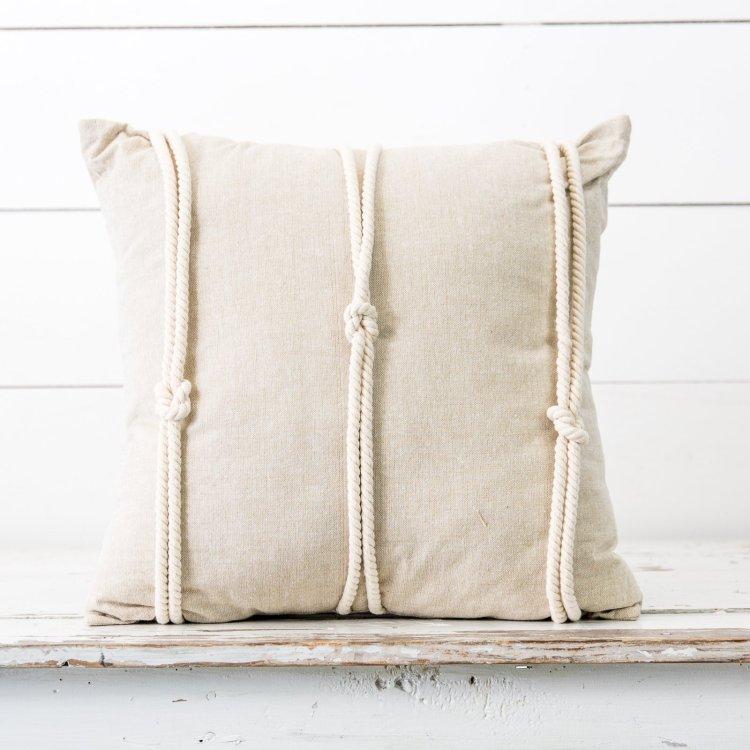 Декор подушки за допомогою мотузки