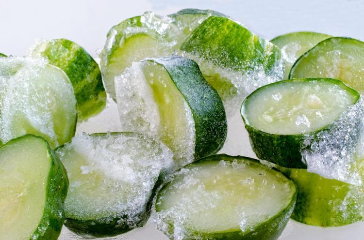 Як правильно заморозити огірки