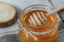 Все, що треба знати про мед — як перевірити і зберігати?
