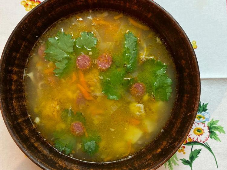 Гороховий суп з копченостями готовий