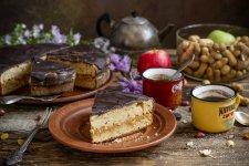 Пиріг з яблуками і сухофруктами