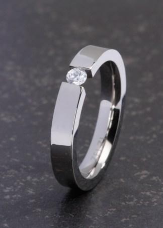 Fortini titanium ring