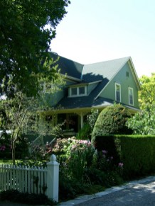 Niagara on the Lake homes_6414127659_l