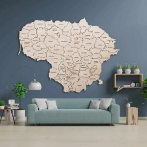 medinis Lietuvos žemėlapis ant sienos