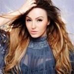 Adelina Berisha 'ndahet nga i fejuari' në klipin e ri