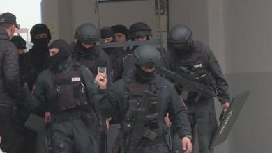 Photo of Rrihen dy policë, i thanë pronarit të lokalit ta ulë muzikën