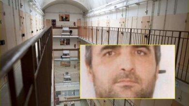 Photo of Bosi italian i mafias nuk ndalej as prapa hekurave – tregohet se si kafshoi dhe gëlltiti gishtin e një roje burgu