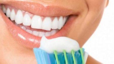 Photo of Gabimi që bëni çdo ditë po ju mban larg dhëmbëve të bardhë