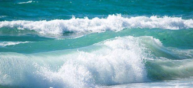 Wellen im Meer -Nicht Loslassen