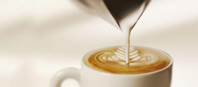 Focaccia e cappuccino, Stranieri :Il cappuccino a regola d'arte come si prepara? Ma focaccia e cappuccino sono un must ligure.