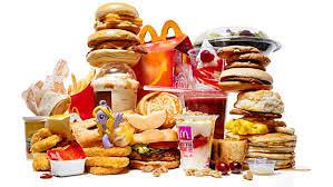 fast food quello da evitare. Immensa quantità di cibo spazzatura.