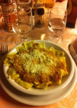 ristorante, Antica trattoria del Bado. Un piatto di ravioli.