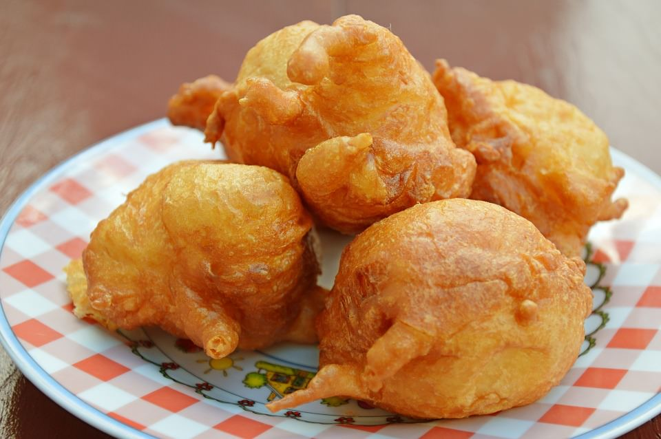 FRITTELLE DI BACCALA': STREET FOOD GENOVESE